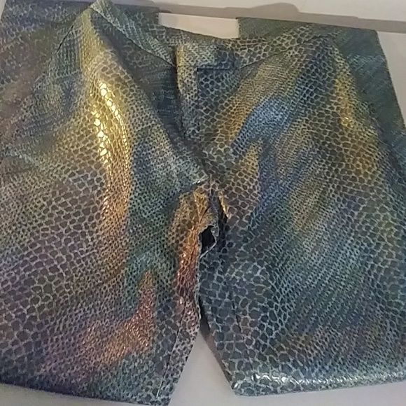 Express Pants - 🐍 Express pants w/a snakeskin appearance